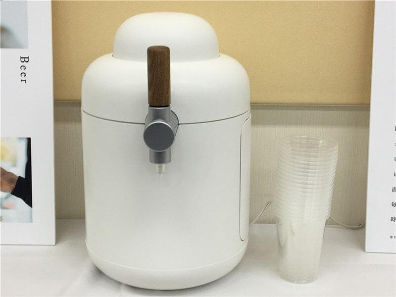 「キリンホームタップ」ビールサーバーはシンプルなデザインでコンパクト