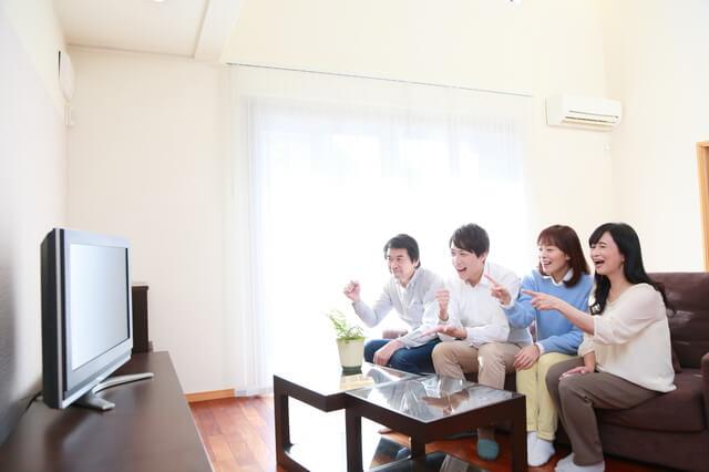 角・コーナーに置けるテレビ台でリビングを有効活用